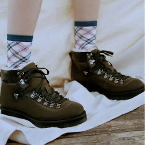 Urban Outfitters Shoes - Urban Outfitters 🥾 UO Bailey Hiking Boot 🥾 Olive